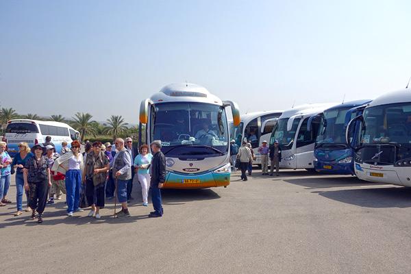 2013-05-06-p9Christianbusgroups.jpg