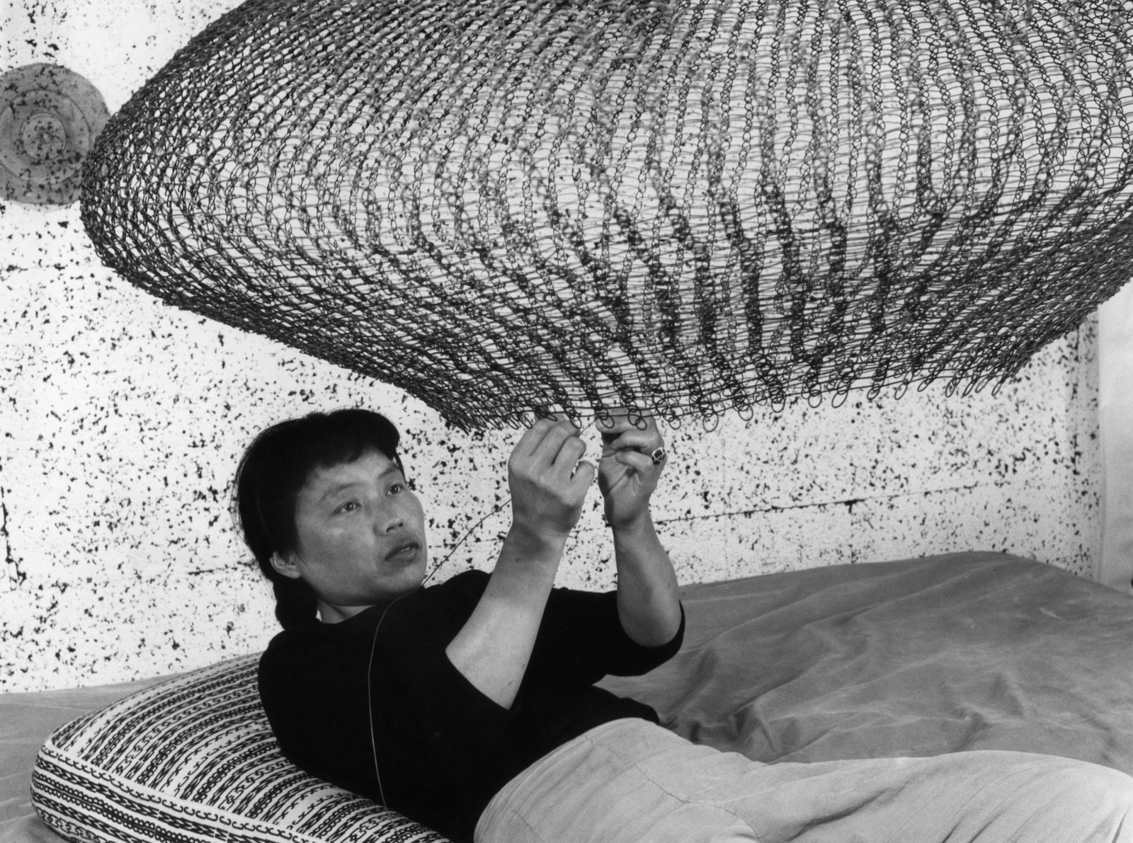 Ruth Asawa, Japanese Artist Who Spent Time In Internment Camp, Gets ...