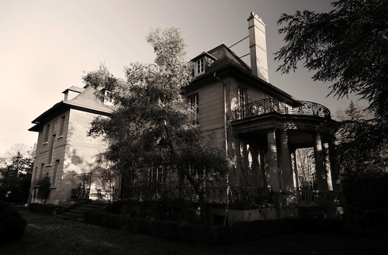 2013-05-16-8.Nerdrum_house_photo_byde_Spido_Nerdrum_550.jpg