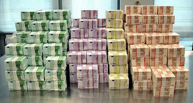 Mille milliards d 39 euros par an le vrai co t de la fraude for Emprunter 100 000 euros
