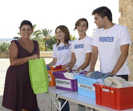 2013-05-21-volunteersmall_opt.jpg