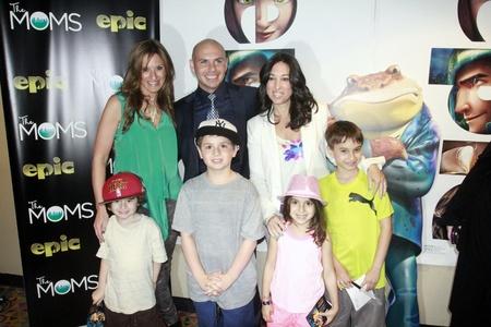 2013-05-23-Pitbull.jpg
