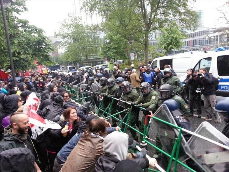 2013-05-31-Blockupytransenne.jpg