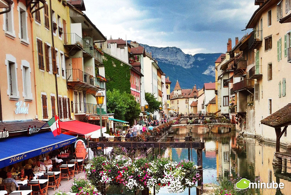 France 39 S 10 Most Enchanting Towns Huffpost