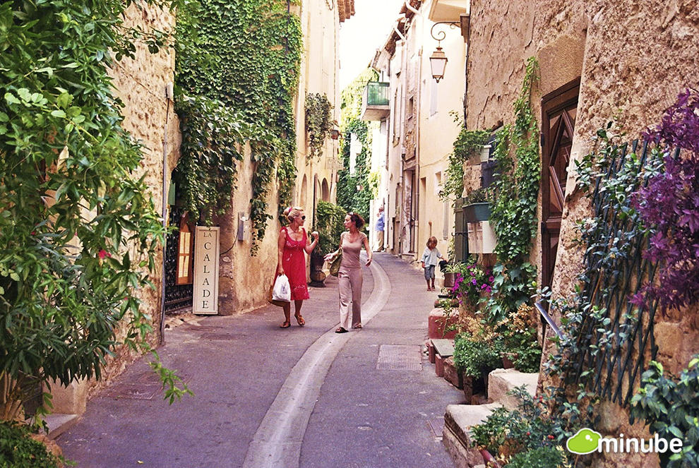 Frances Most Enchanting Towns HuffPost - Us quaint towns map