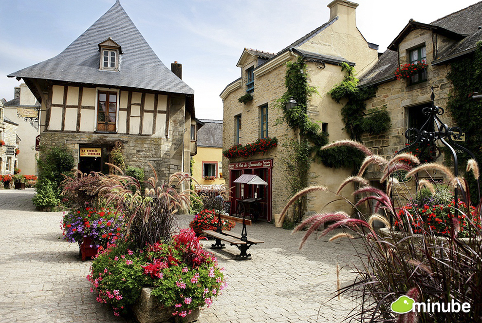 Frances  Most Enchanting Towns HuffPost - French country side