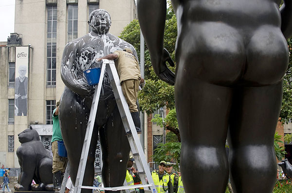 2013-06-05-BoterosculptureBath2.jpeg