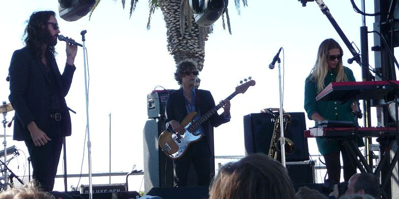 2013-06-06-Wild_Belle_at_Treasure_Island_Music_Festival_2012.jpg