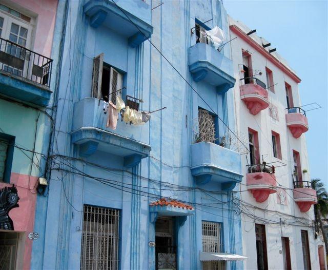 2013-06-10-Havanabuildingsimg_2586.JPG