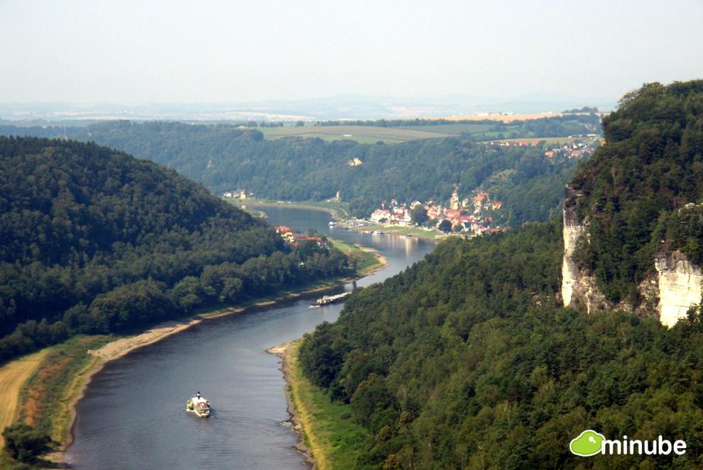 2013-06-11-Elbe1Macgreg.jpg