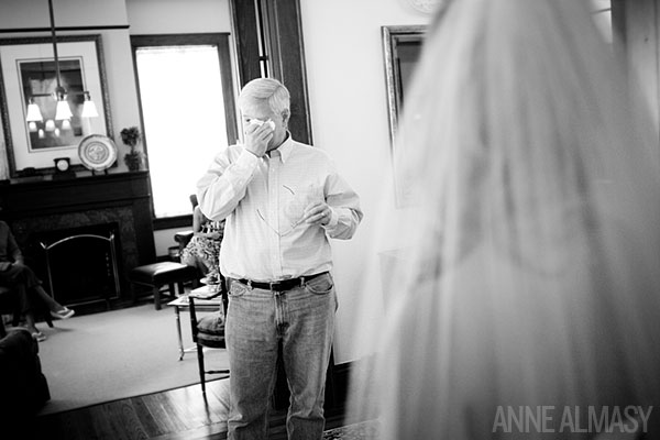 2013-06-16-anne_almasy_dad_sees_daughter_for_first_time_in_wedding_dress.jpg