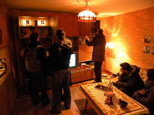 2013-06-17-livingroompeople.jpg