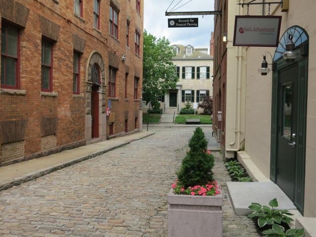 2013-06-19-NewBedfordMACobblestoneStreets.jpg