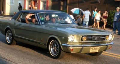 2013-06-25-Mustang400x214.jpg