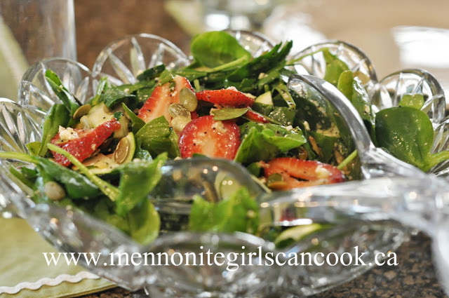2013-06-27-StrawberryZucchiniSpinachSalad.JPG