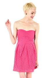 2013-06-28-http:-www.shoptiques.com-products-fuschia-eyelet-strapless-dress-2c42a7c573a84ef49bcc7dac7f549afc_s.jpg