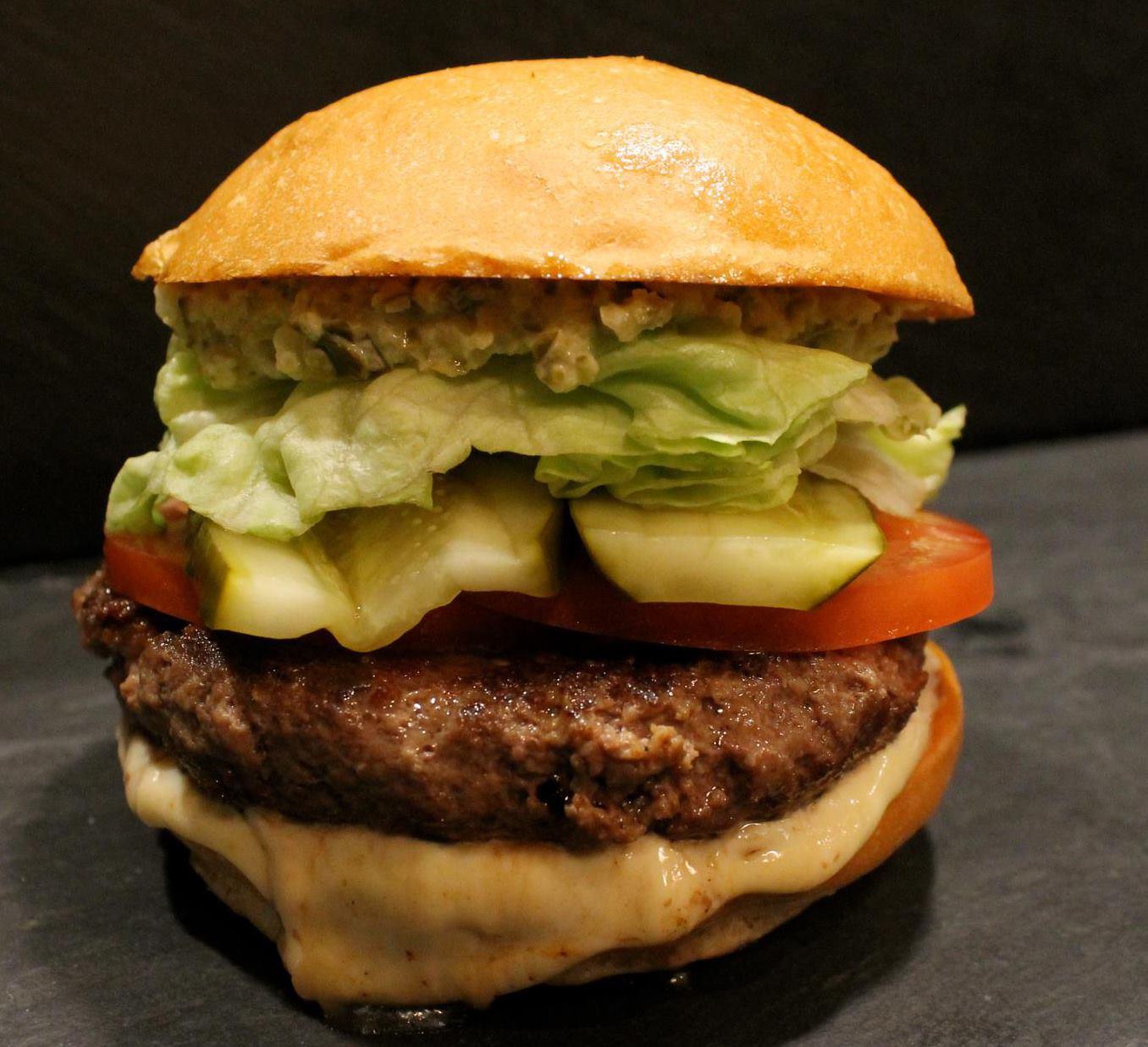 2013-07-01-JuicyLucy_Burger.jpg