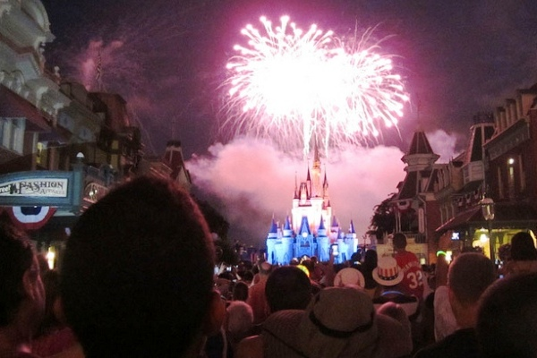 2013-07-02-HuffPo4th_WDW_JupiterFirelyte.jpg