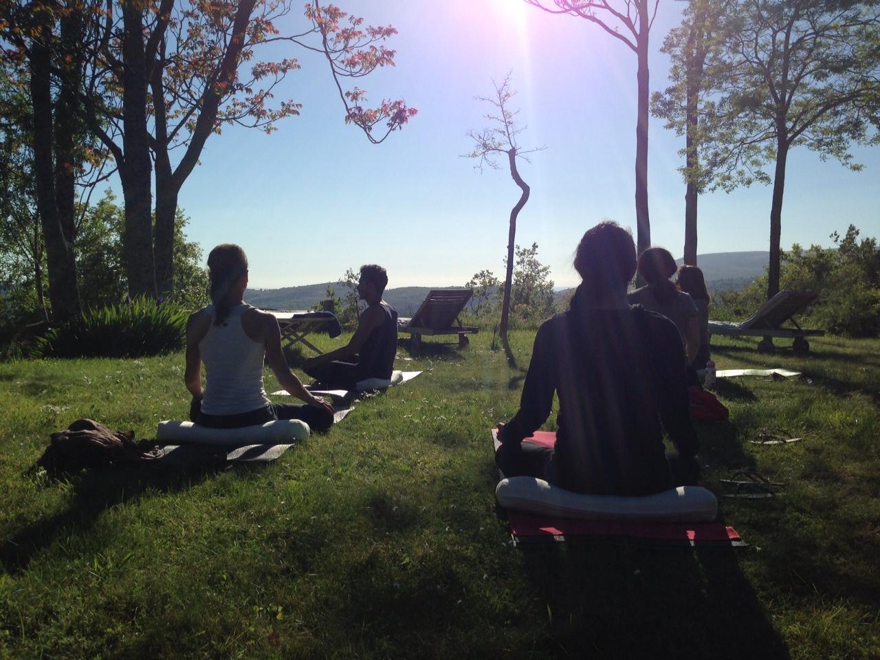2013-07-09-yogaoutside.JPG