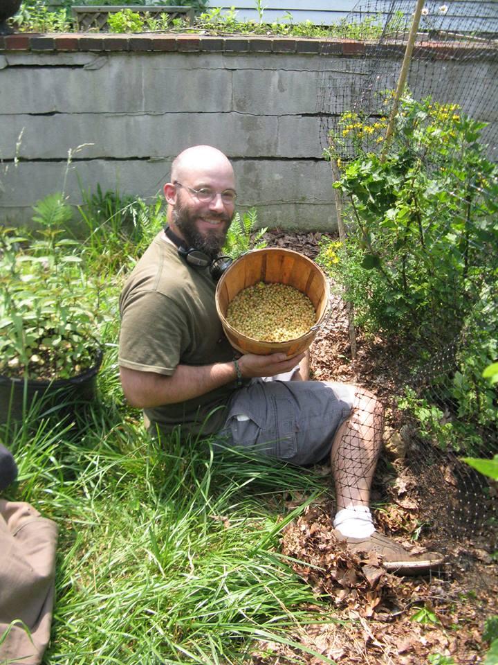 2013-07-11-currantsharvest.jpg