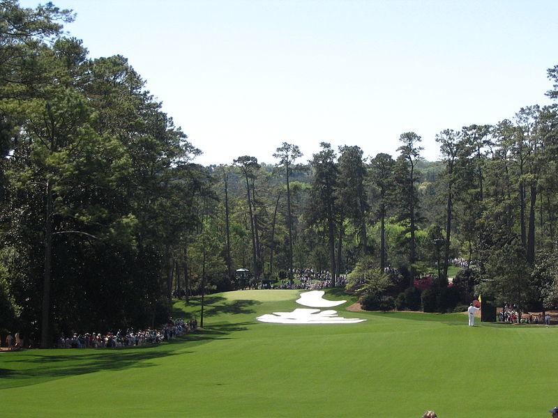 2013-07-12-800pxAugusta_National_Golf_Club_Hole_10_Camellia.jpg