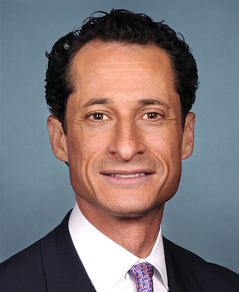2013-07-17-490pxAnthony_Weiner_official_portrait_112th_Congress.jpg