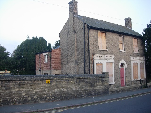2013-07-19-179_Sturton_Street_Hanley_House_boarded_up__geograph.org.uk__1009302.jpg