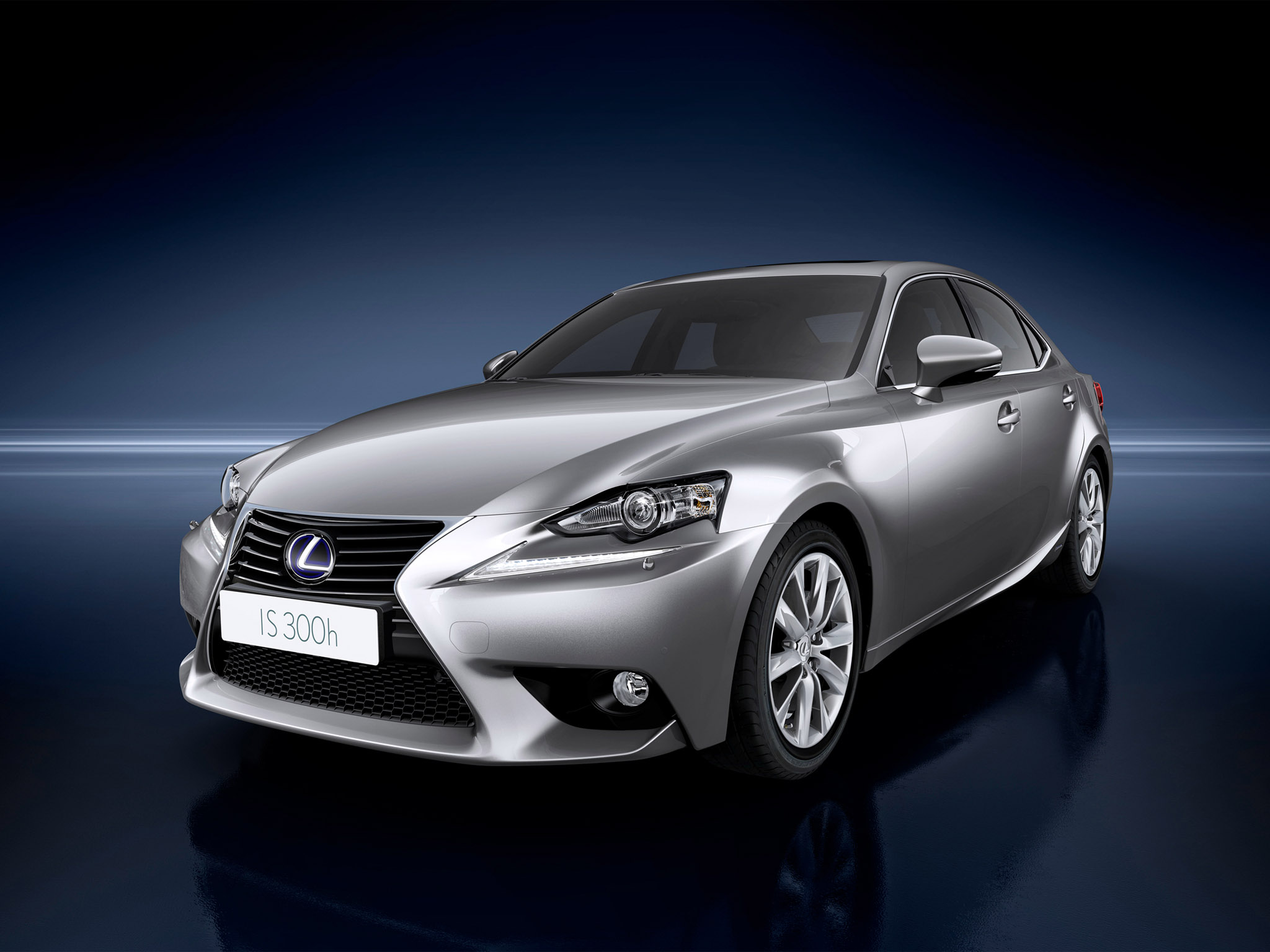 2013-07-19-lexus_is300h2013_r7.jpg