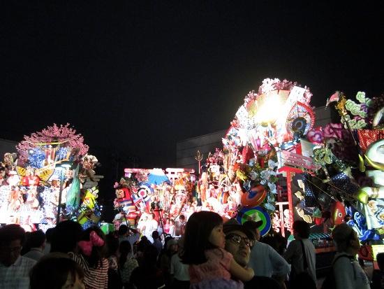 2013-07-23-Hachinoheitownsquare.JPG
