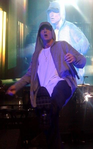 2013-07-24-Eminem_DJ_Hero.jpg