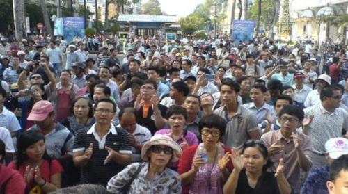 2013-07-24-a_lam_vietnam_dissidents_500x279.jpg