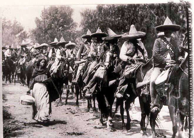 2013-07-25-mexicanrevolutionchicanoshorsemenwomancasasola6601.jpg