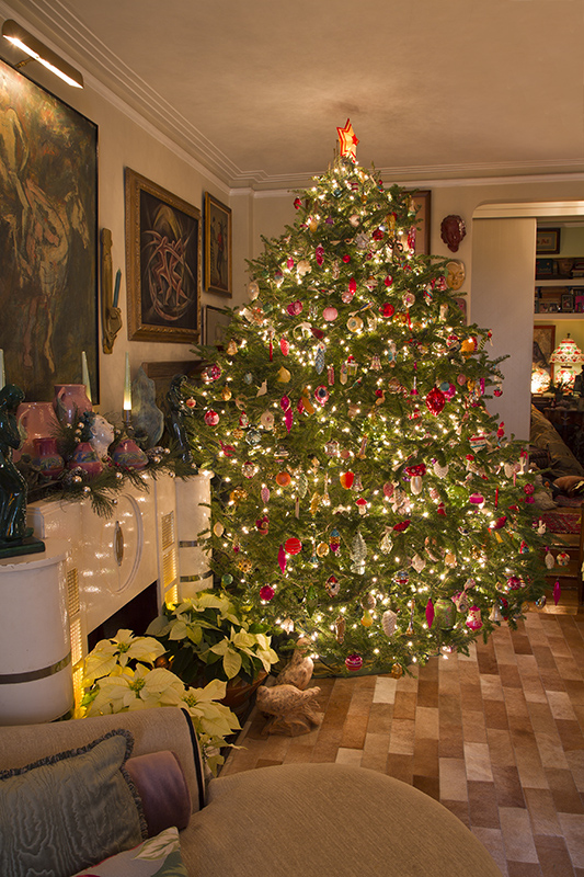 For big bargains on off season items and vintage holiday for Christmas tree items list