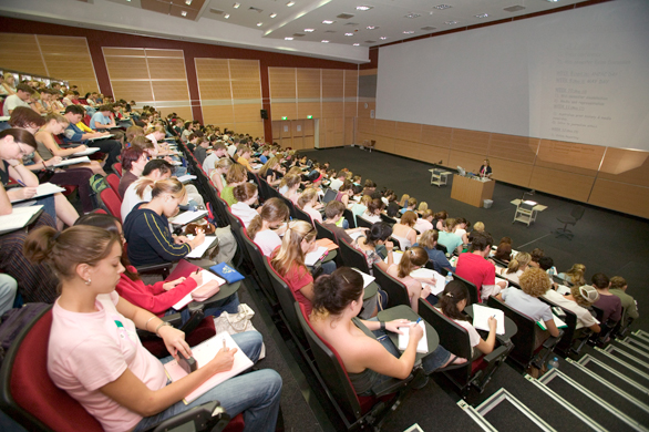 4 ways your college classes will be different from your high school 2013 07 26 lecturehallg ccuart Images