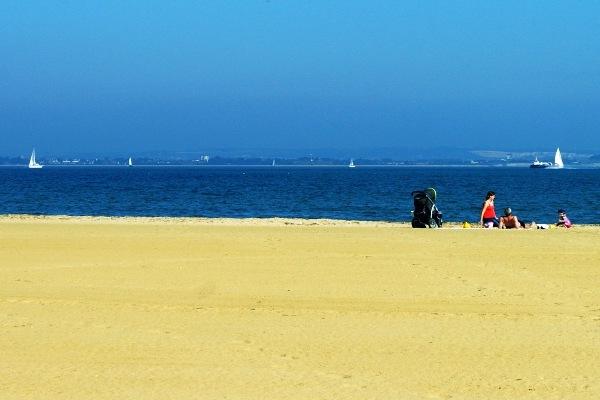 2013-07-30-Beach_FCC_sidibousaid60.jpg