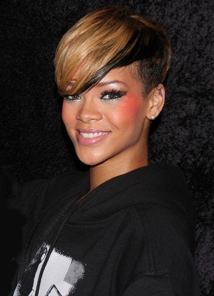 2013-08-01-Rihannaundercut.jpg