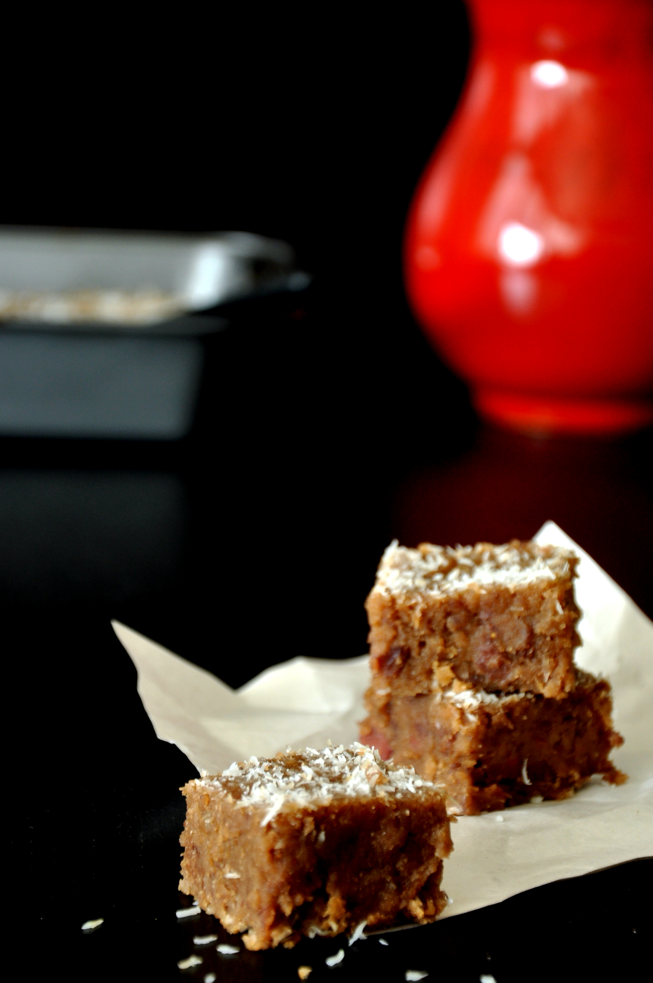 2013-08-01-StrawberryJaggeryBrownies1.JPG