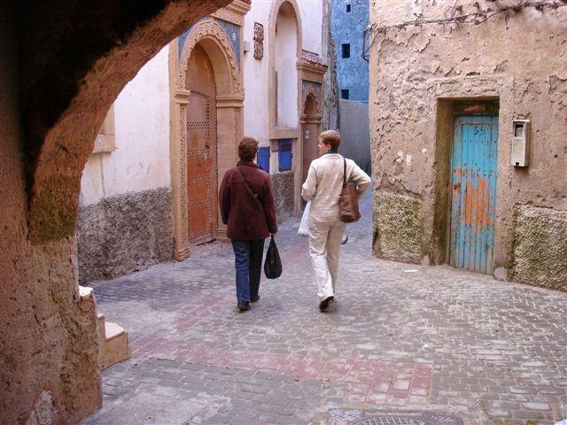 2013-08-06-Moroccowomenwalking.JPG