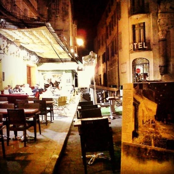 2013-08-06-cafe_arles.JPG