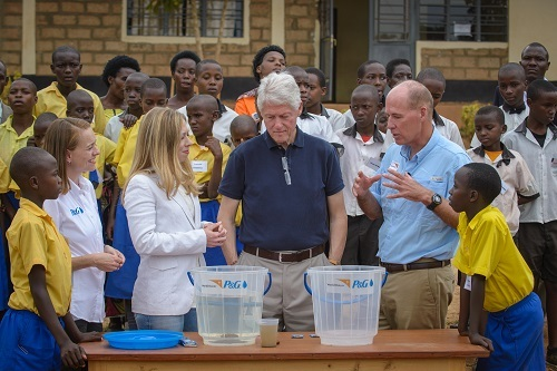 2013-08-08-http:-www.worldvision.org-content.nsf-about-20130805_Rwanda-WASH_Clintons-see-firsthand-how-clean-water-saves-lives?open&lpos=ctr_txt_Clinton-WASH-HOT-WV_Pres_pressrelease2.6.jpg