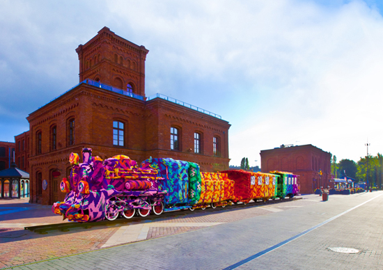 2013-08-12-locomotivekinocharlietenczoweswiatlo.jpg