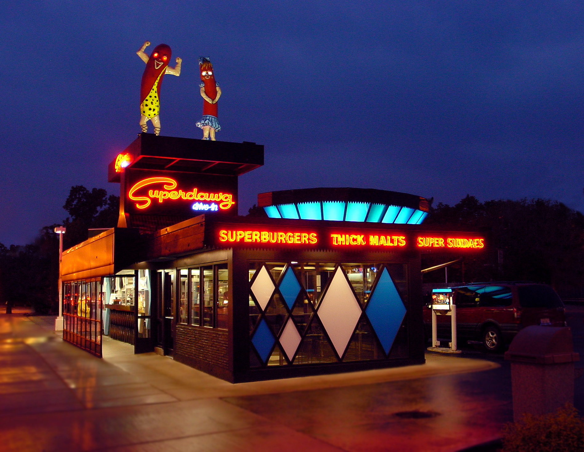 2013-08-12-superdawg_2004night.jpg