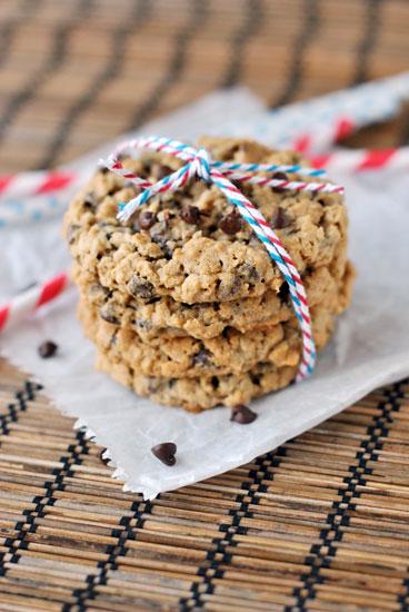 2013-08-14-oatmealchocolatechipcookies2large.jpg