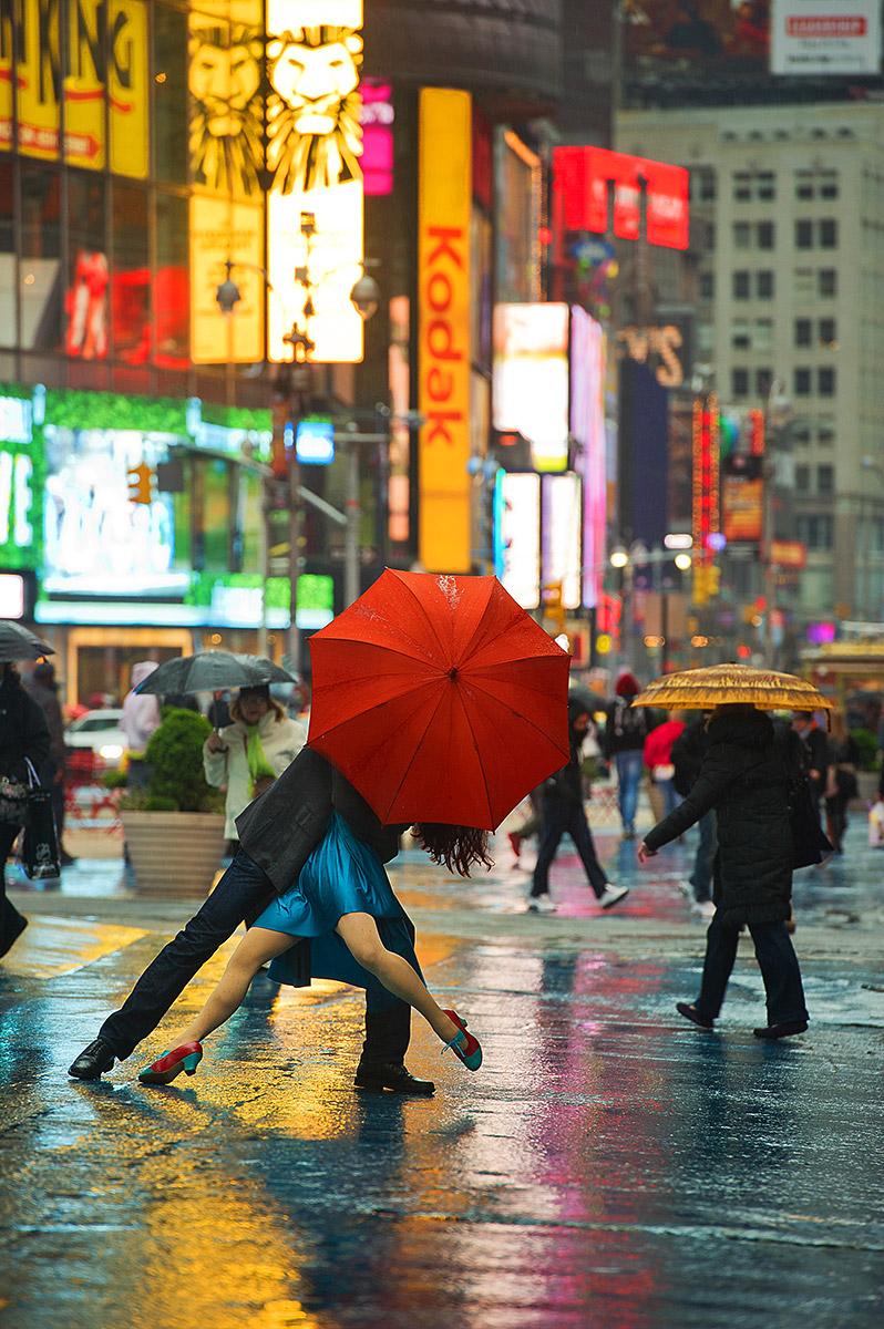 2013-08-16-Michael_Jagger_Evita_Arce_Times_Square.jpg