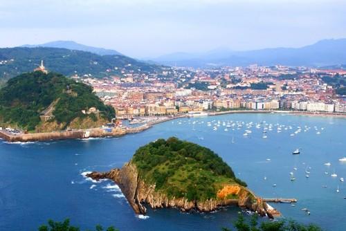 2013-08-20-Conchagulf_SanSebastian_Basque_Spain_shutterstock_54678781540x361.jpg