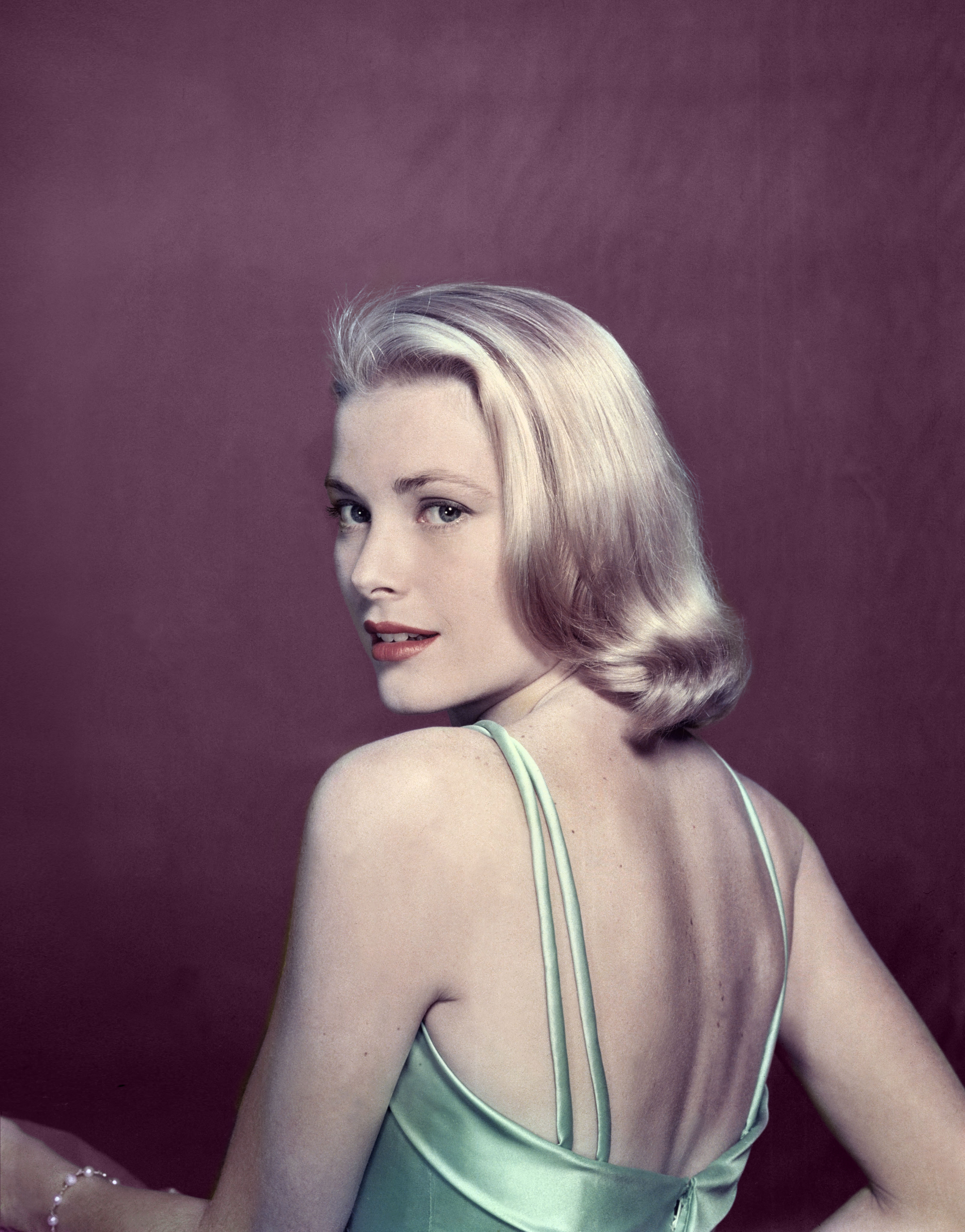 7 Unbelievably Elegant Reasons To See The Grace Kelly ...