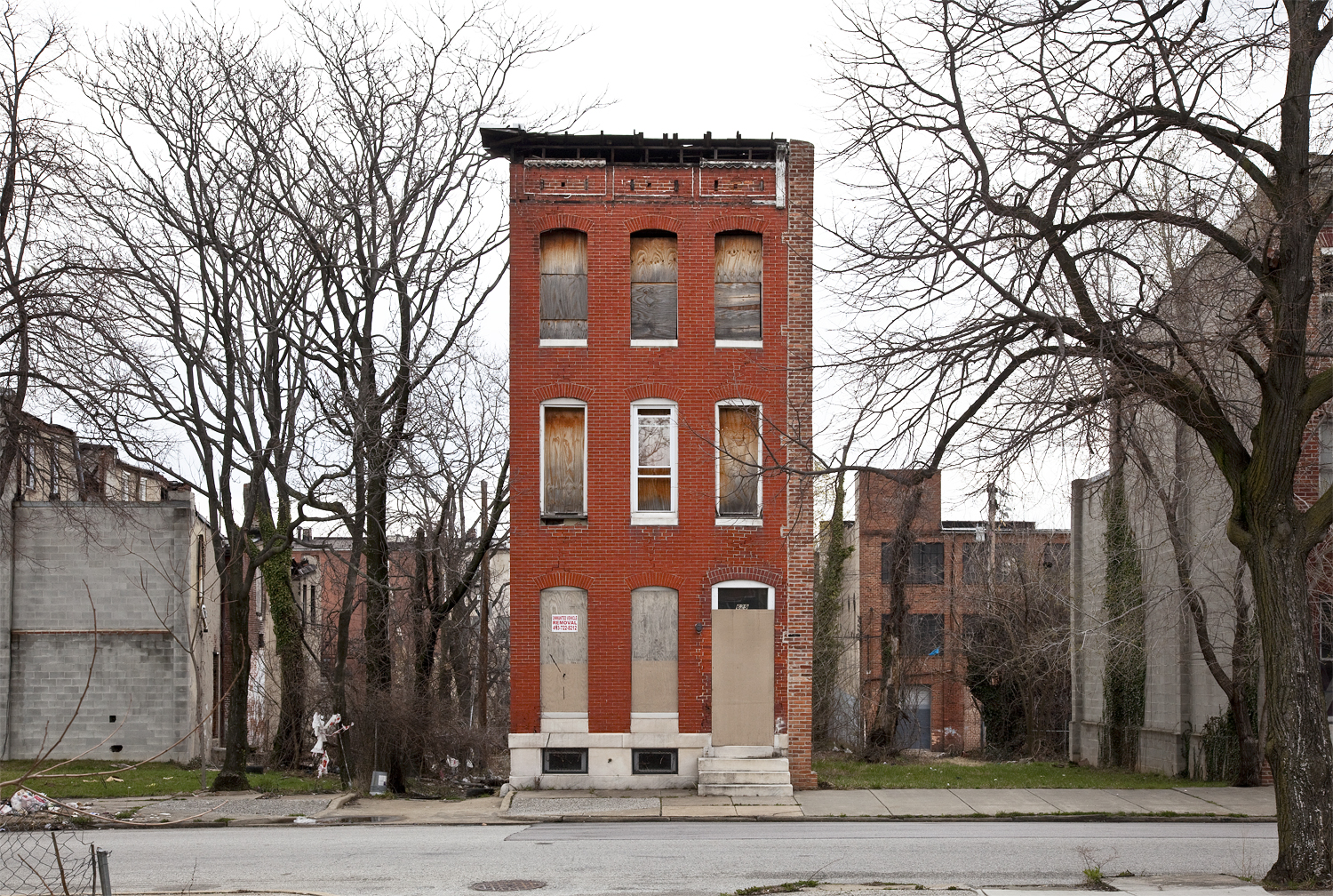10 Orphan Row Houses So Lonely You Ll Want To Take Them