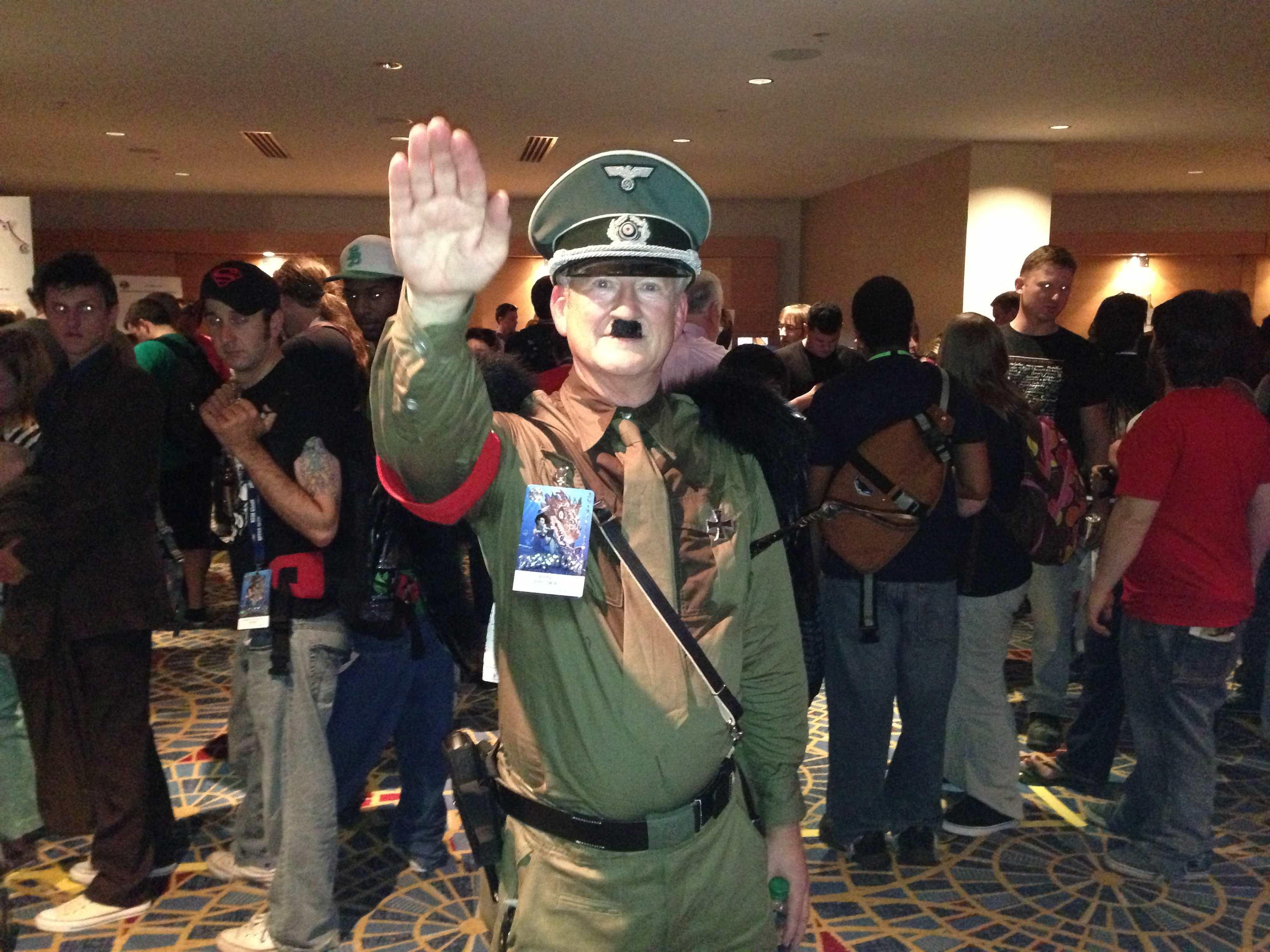 2013-09-04-Hitler_HuffPost.jpg