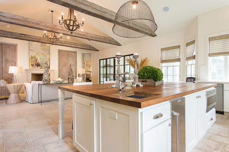 Debate modern luxury or classic country chic huffpost uk - Classic contemporary kitchen design ...