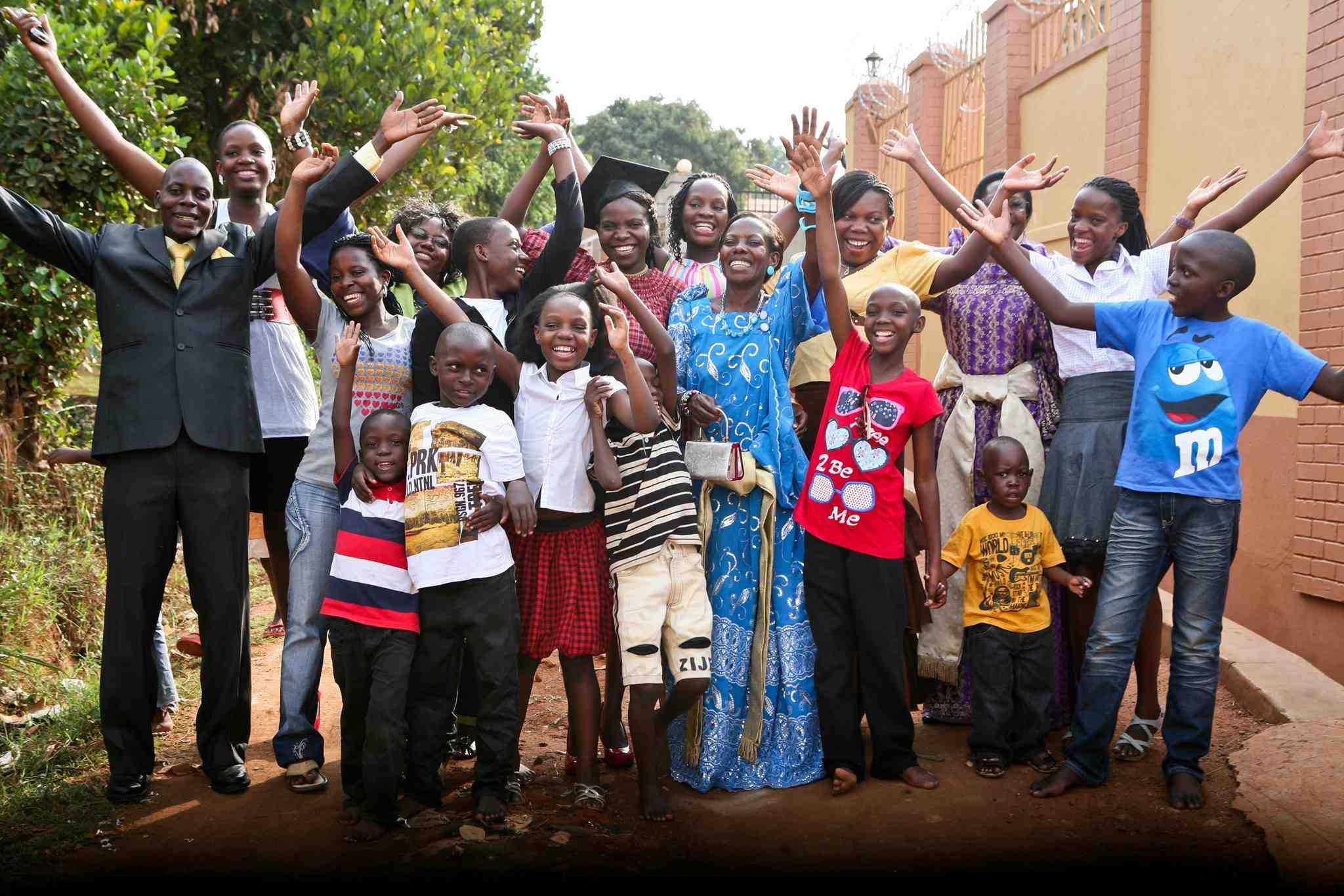 http://images.huffingtonpost.com/2013-09-09-UgandaProjectpeeps.jpg
